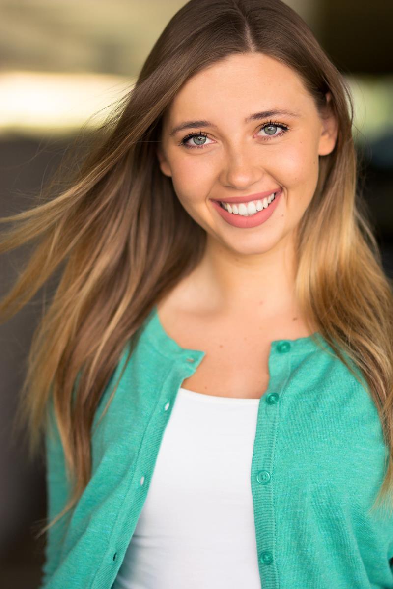 Emma Busk's Headshot
